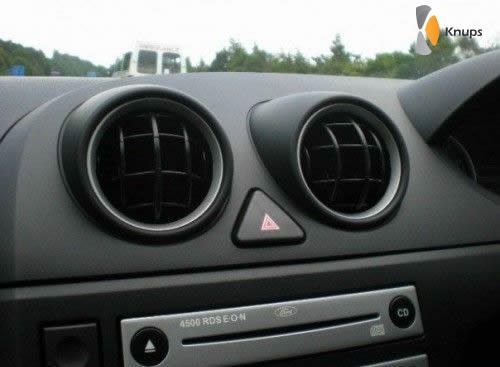 auto interieur lijkt op smiley